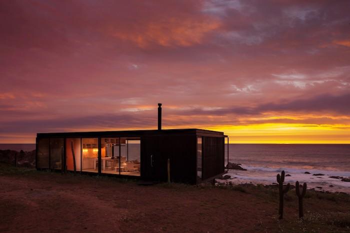Стильный модульный дом от Felipe Assadi