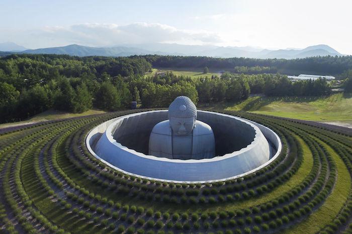 Тадао Андо: молитвенный зал вокруг 13-метровой статуи Будды
